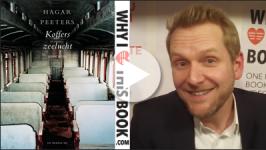 Martijn draagt voor Ook wij, titaantjes uit Koffers Zeelucht – Hagar Peeters