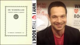 Thomas Möhlmann draagt voor De troubadour uit De wandelaar - Martinus Nijhoff